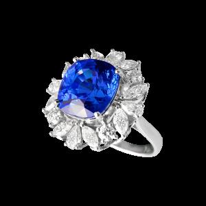 经典花形蓝宝石钻石戒指